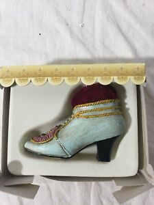 Vintage looking shoe pin cushion unused Classic collections mini shoe