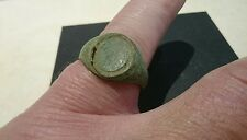 Nice bronze Roman mans ring part, would of held intaglio Uk find L455