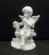 ange assis sur barrière avec papillon ,chérubin, déco Noël, statuette GT-8/04
