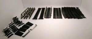 Bachman HO SCALE TRACK 18 Pieces and accessories