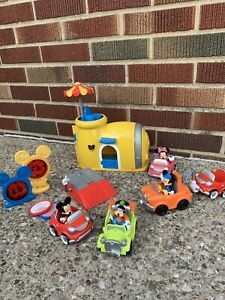 mickey mouse clubhouse garage with extra cars & characters Minnie Donald Daisy
