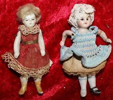N° 19 alte Puppenstuben Puppen, 2 Mädchen 9,5 cm groß