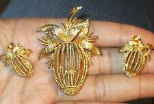 Vintage Monet Clip-On Earrings & Brooch Set Gold Tone Leaf Wicker Basket NWOB