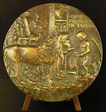 Médaille Un amour enseigne le chant au Lion  sc Pisanello Antonio Pisano medal