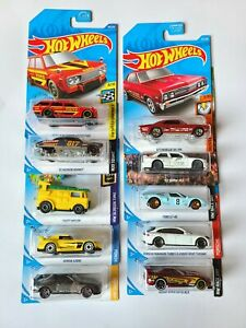 Hot Wheels carded variety lot of 10 diecast cars