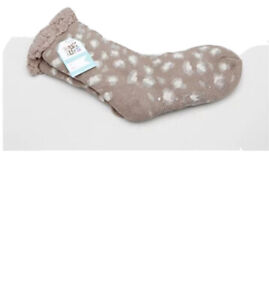 Muk Luks Shea Butter Cabin Socks Size L/XL