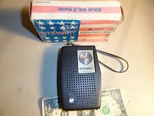 VINTAGE STEWART De Luxe SOLID STATE TRANISTOR  RADIO MODEL 313  ( WORKING )