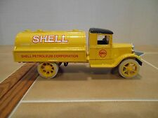 Ertl diecast Shell Oil 1931 Hawkeye tanker 1/34 scale,MINT stock # B276