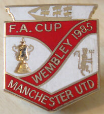 MANCHESTER UNITED Vintage 1985 FA CUP FINAL badge Maker REEVES B'ham 25mm x 29mm
