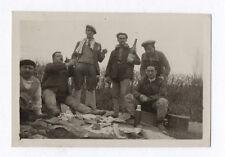 PHOTO Snapshot Vers 1930 Déjeuner Vin Panier Manger Amis Hommes Pique nique