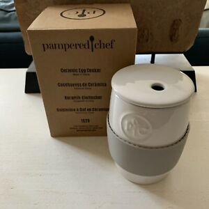 Pampered Chef Ceramic Egg Cooker with Lid & Silicone Sleeve White Gray  #1529