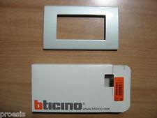 BTICINO N4804GN Light placca 4 moduli colore grigio perla