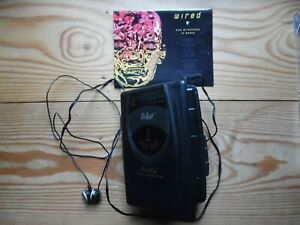 Oska personal AM/FM radio cassette player + double dance tapes