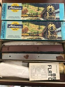 (2) HO SCALE ATHEARN  UNDECORATED 86' FLAT CAR Vintage