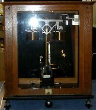 Aug. Sauter finamente balanza, aire-compensación, precisionswaage, en la caja de madera, ca 1950