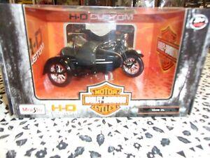 "1/18 MOTOS AVEC SIDECAR/SERVI-CAR ""HARLEY DAVIDSON""NOIR MAISTO32420"