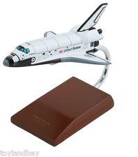 Executive Series E4920 NASA Space Shuttle Endeavor 1:200 Scale Museum Quality