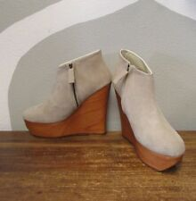 MAURIE & EVE 38 Light Gray Suede Leather Side Zip Wedges