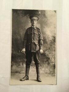 VINTAGE POSTCARD - CIRCA WORLD WAR 1 - PORTRAIT OF AUSTRALIAN SOLDIER
