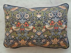 """WILLIAM MORRIS DESIGN STRAWBERRY THIEF OBLONG CUSHION 18X12"""" WITH FEATHER INNER"""