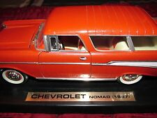 YAT MING 1/18 DIE-CAST METAL 1957 CHEVROLET NOMAD WAGON WITH STAND