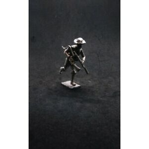 Fleurbaix Toy Soldiers - Victorian Royal Navy-man Running with Rifles