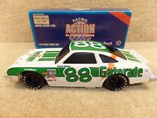 New 1995 Action 1:24 Diecast NASCAR Darrell Waltrip Gatorade 1977 Oldsmobile #88