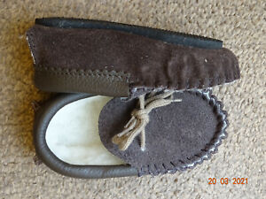 Childs Suede Moccasins. size 5
