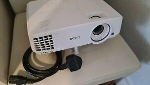 BenQ HD Projector MW529 VGA HDMI SVGA D SUB. With Remote