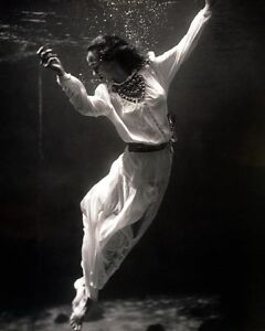 FASHION MODEL UNDERWATER TONI FRISSELL 1939 11x14 SILVER HALIDE PHOTO PRINT