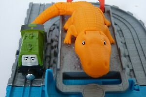 GATOR'S CHASE & CHOMP TAKE N PLAY with Gator train Excellent Cond. Fisher-Price