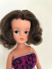 BEAUTIFUL SINDY DOLL - 2 GEN 1077 - 033055X, VINTAGE BRUNETTE SINDY DOLL