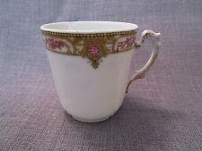 belle tasse ancienne en porcelaine de limoges