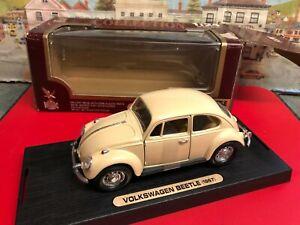 Road Legends 1:24 scale Volkswagen Beetle 1967 die cast model car