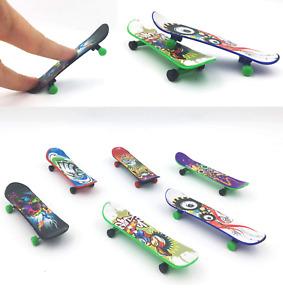 Finger Skateboard Fingerboard Skate Board Kids Table Deck Mini Plastic Toy x 1
