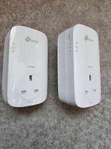 TP-LINK TL-PA9020P AV2000 2000 Mbps 2-Port Gigabit Powerline Starter Kit