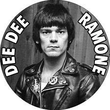 CHAPA/BADGE DEE DEE RAMONE . ramones joey johnny thunders punk heartbreakers
