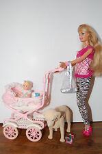 Barbie walking barbie and baby sister Krissy / Barbie et Krissy promenade landau