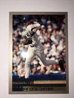 2000 Topps Derek Jeter #15 New York Yankees MLB Baseball Card Florida Marlins