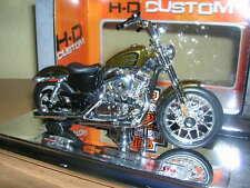 Maisto Harley-Davidson 2012XL 1200V / XL1200V SEVENTY-TWO color dorado, 1:18