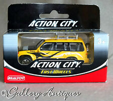 Realtoy Diecast Action City Fast Wheels Mitsubishi Shogun / Pajero 1:64 Unopened