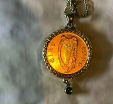 """1996 Ireland Harp Celtic Luck Coin Pendant With A Green stone on a 18""""chain"""