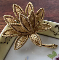 Vintage Avon Flower Brooch Pin Gold Tone Textured 3D Floral