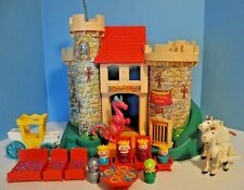 Vintage Fisher Price Little People Castle 993 100 % complete with white horses