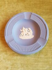 Wedgwood plastische Aschenbecher England blau weiß