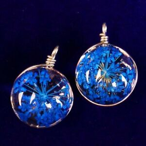 2Pcs Delicate Crystal Glass Blue Dried Flower Round Pendant Bead W99538