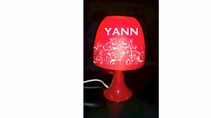 Lampe de chevet AVENGERS personnalisée prénom couleur au choix