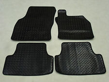 Skoda Octavia 2013-onwards. Fully Tailored Deluxe RUBBER Car Mats in Black