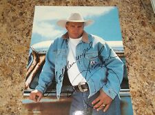 """GARTH BROOKS SIGNED 8 X 10 PHOTO """"GOD BLESS YOU PAL"""" (COUNTRY MUSIC LEGEND)"""