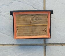 BMW E39 2.5i SE Air Filter Insert and Filter (c1996)
